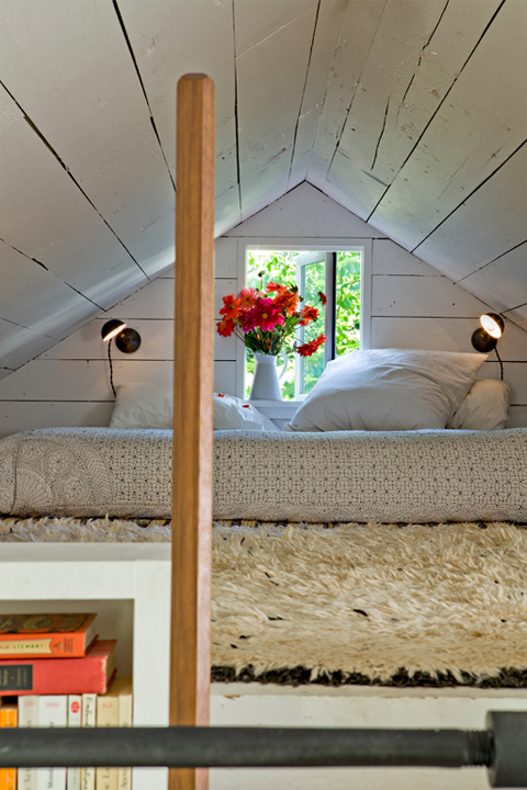 Jessica Helgerson Sauvie Island Tiny House Parents' Sleeping Loft